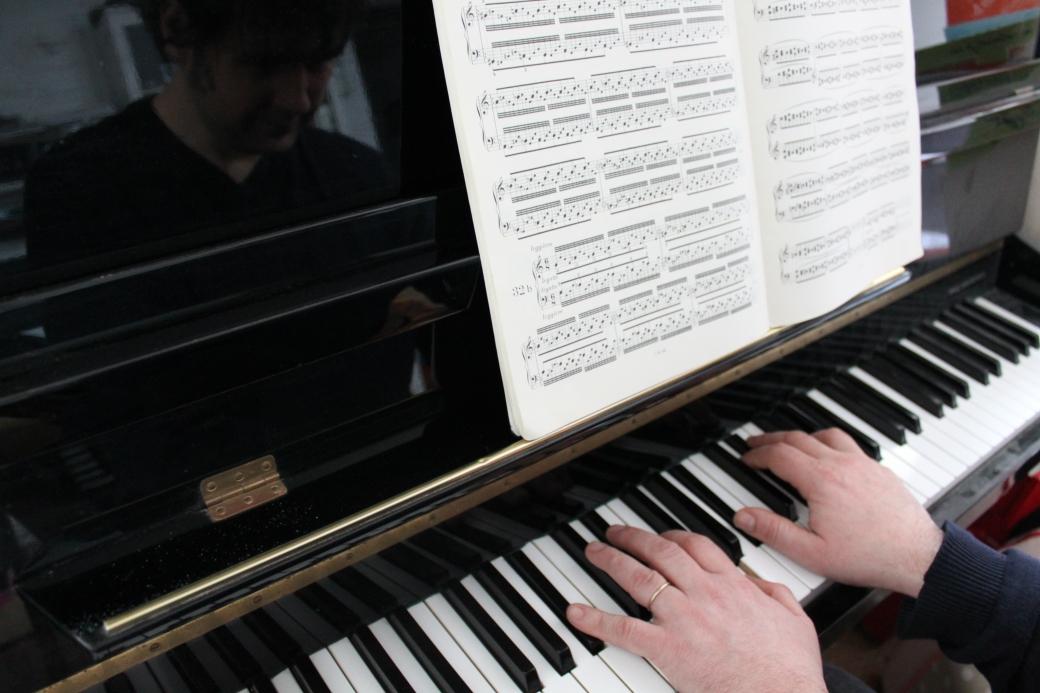 Sylvain au piano